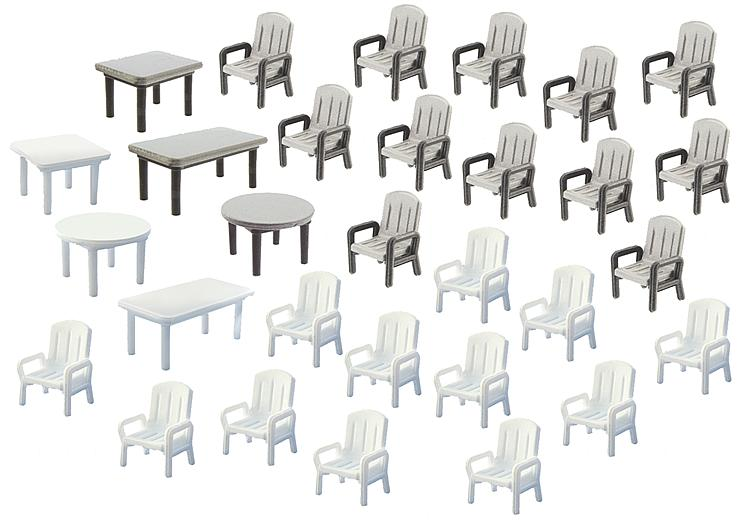 HO 24 Garden Chairs/ 6 Tables