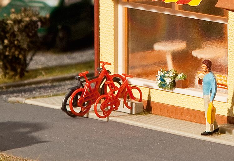 HO 8 Bicycles