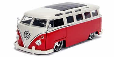 1/24 1962 Volkswagen  Bus, Red with White