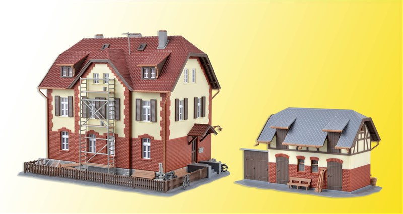 HO Railwayman house w/scaffold