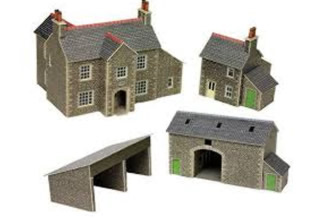 N Manor Farm House & Buildings Kit