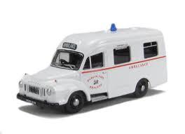 1/76 Bedford J1 Ambulance (white)